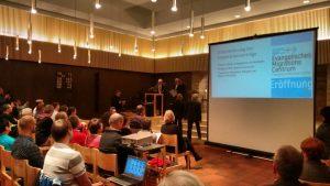 Dr. Thomas Schalla, Friedemann Kalmbach, Wolfgang Stoll und Steffen Beck unterzeichnen den Kooperationsvertag.